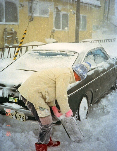 19850116 雪かき2.jpg
